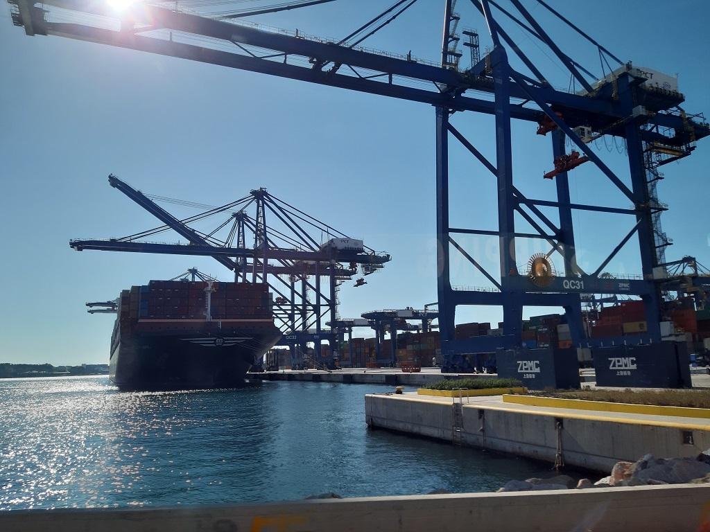 Τρικυμία στον Πειραιά με διαρροή επιστολής COSCO για το 16% μετοχών ΟΛΠ