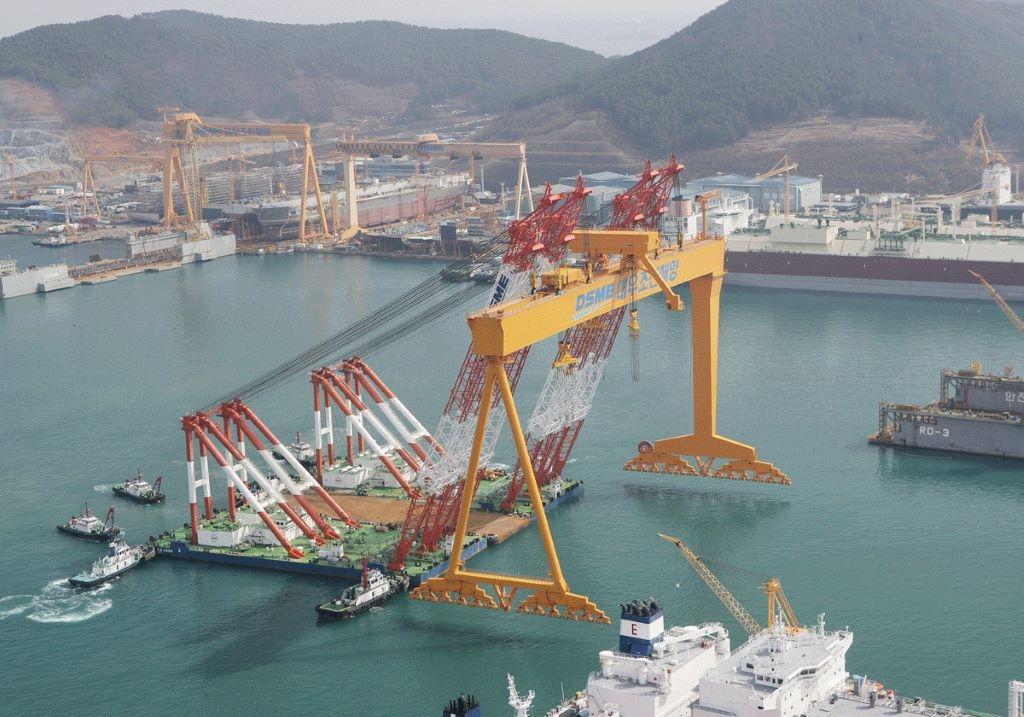 Παραγγελία κατασκευής έξι mega containers με καύσιμο LNG