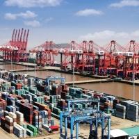 Πώς η πανδημία πλήττει την παγκόσμια εμπορική ναυτιλία